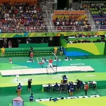 #gymnastics @Olympics #rio2016 #teamchina pulling off incredible uneven bars…
