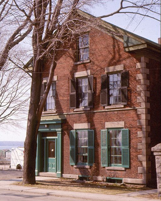 FLINT House, 12 St Andrew St , Brockville, ON  (1974) - Now demolished   (Doug Grant collection)