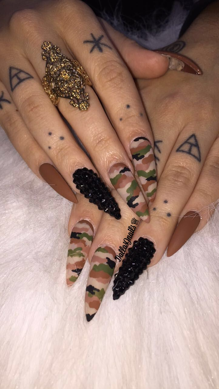 Camo and black Swarovski crystals all hand painted! Ig @dallasalexiaxo #camonails #stilettonails  #longnails #mattenails