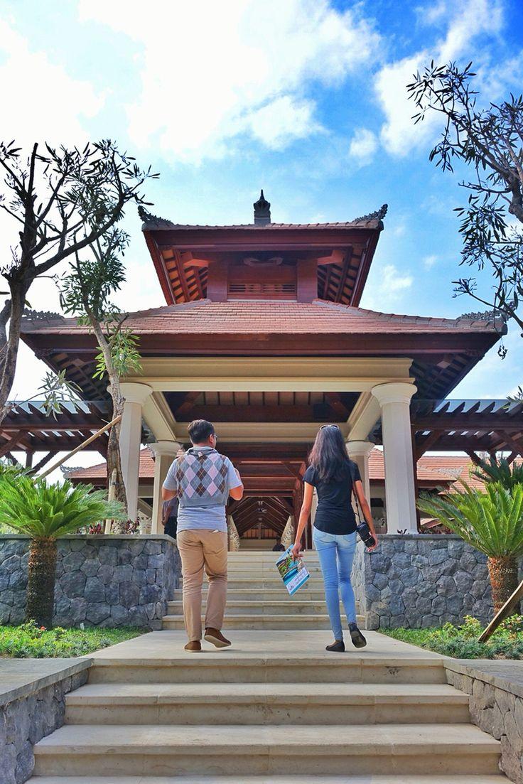 The Wantilan lobby at Padma Ubud. #MilesHumphreysArchitect