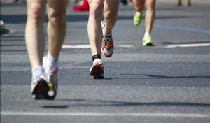 Pessoas correndo em ritmos diferentes - Foto: Getty Images