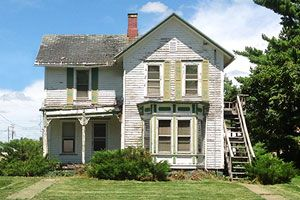 Save this Folk-Victorian charmer in a small town