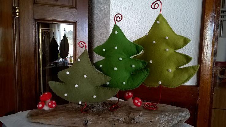 Natal (feltro, lã mágica e madeira da praia)
