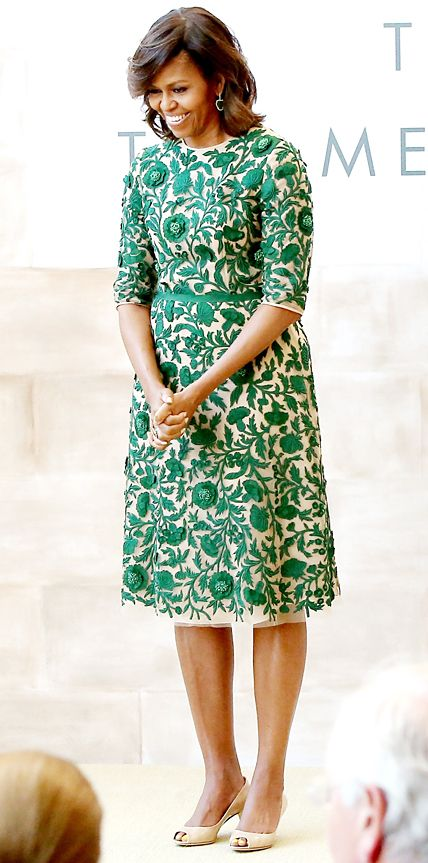 Michelle Obama in Naeem Khan from #InStyle Kashmiri embroidery on a fabulous dress!