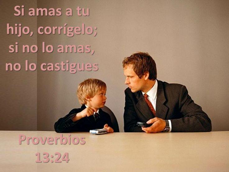 Proverbios 25:12 La crítica constructiva es, para quien la escucha, como un pendiente u otras joyas de oro.