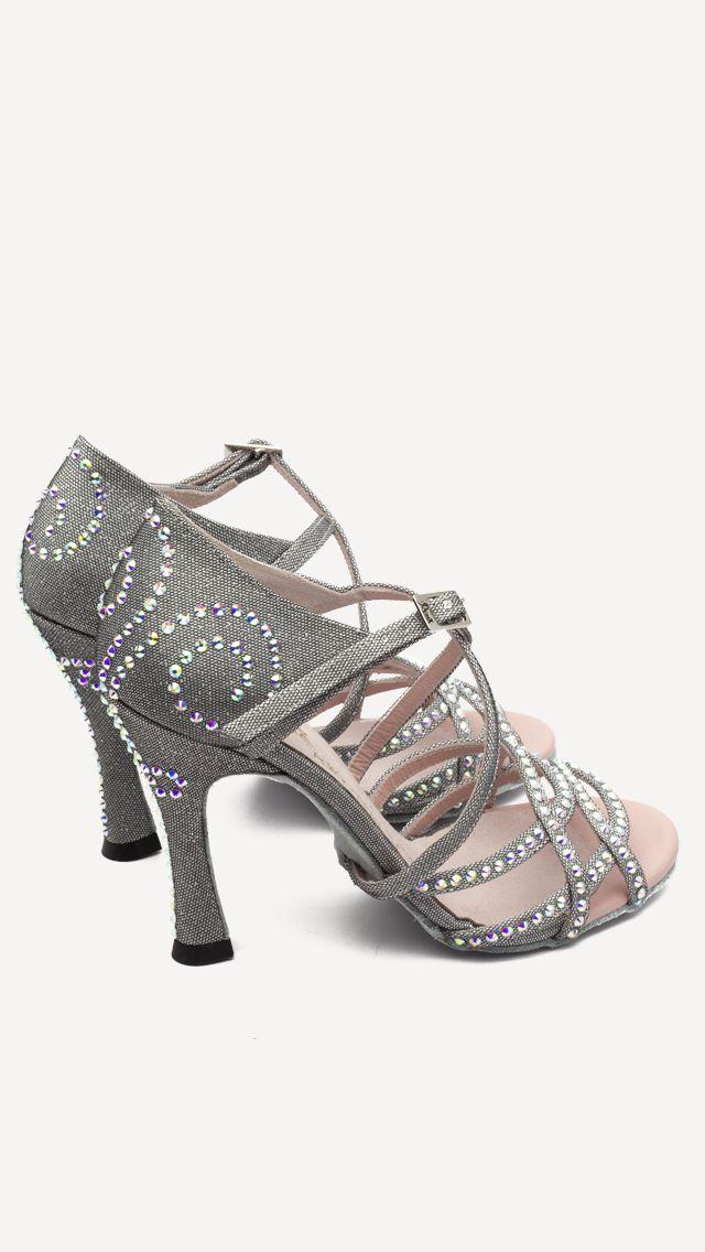 ❤️ Nueva colección Competition Volga !!!  Disponibles en venta online y tiendas oficiales!!  #QueBonitosPorFavor #AmiMeDaAlgo #MisZapatosSonHermosos #HechosaMano #SoloMios #PasionPorLaModa #ElArmarioDeMiVida #ZapatosUnicos #AnitaPearl #ZapatosReina #LaReinaDeMiArmario #musthave #dance #dancers #danceshoes #sandalias #custom #ilovedance #sandals #fashion #moda #style #salsa #rumba #essentials