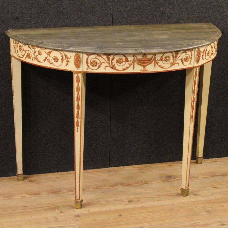 1500€ French lacquered console table in Louis XVI style. Visit our website www.parino.it #antiques #antiquariato #furniture #lacquer #antiquities #antiquario #console #table #tavolo #decorative #lacquer #lacquered #interiordesign #homedecoration #antiqueshop #antiquestore #gold #golden #gilt #gilding