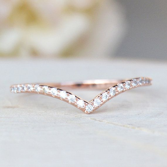 Thin 1.3mm V Chevron Ring – Rose Gold
