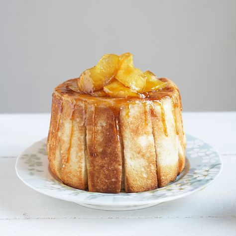 Découvrez la recette de la charlotte aux pommes