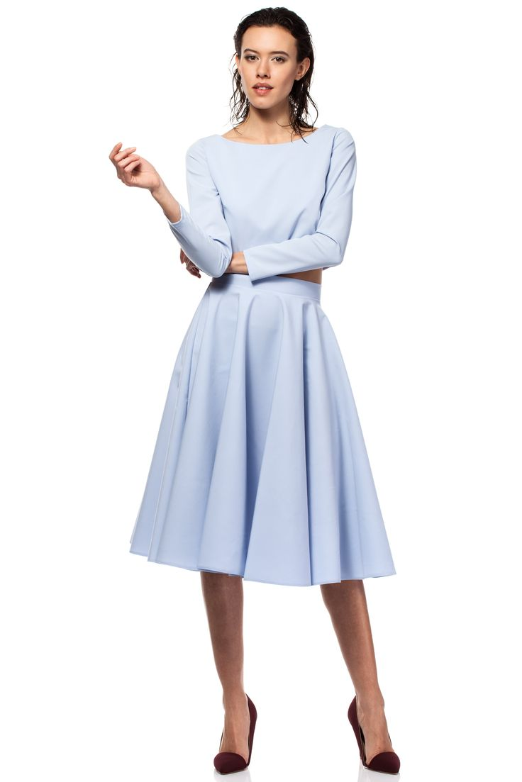 Piękna Rozkloszowana usztywniana spódnica w kolorze błękitu.  http://besima.pl
