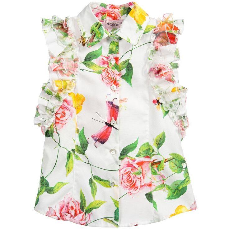 春夏2016【モナリザ】ノースリーブ蝶&バラ花柄フリル・ブラウス 春夏らしい鮮やかなプリントが魅力の女の子用シャツ・ブラウス。  爽やかなアイボリー生地にピンク・イエロー・グリーンなど季節感溢れるカラフルな  フローラル&バタフライ・プリントが美しく、子供服ながら大人っぽさも感じられる一着です。  襟付き&前開きボタンのスマートなフロント・デザインに  ゴージャスなオーガンジー素材のラッフル・スリーブをフィーチャーした  モナリザらしいフェミニンな仕上がりとなっております。  インナーやアウターなどとのコーデもお楽しみいただけるスリーブレス・スタイルです。  暑い夏のみならず、ぜひ春先から早速お召しください♪
