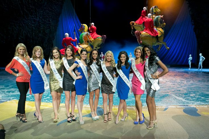 Miss South Carolina 2012 Ali Rogers, Miss North Carolina 2012 Arlie Honeycutt, Miss Ohio 2012 Elissa McCracken, Miss Oregon 2012 Nichole Mead, Miss Puerto Rico 2012 Kiaraliz Medina, Miss Pennsylvania 2012 Jordyn Colao, Miss Rhode Island 2012 Kelsey Fournier, Miss Oklahoma 2012 Alicia Clifton, Miss New York 2012 Mallory Hagan, Miss North Dakota 2012 Rosie Savageau at Bellagio Las Vegas (2013)