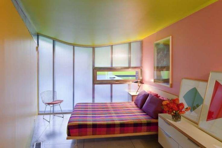 Idee per dipingere le pareti e far sembrare le stanze più grandi - Soffitto giallo e pareti rosa