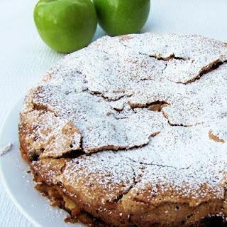 Apple Sharlotka | dessert shop | cake | Pinterest