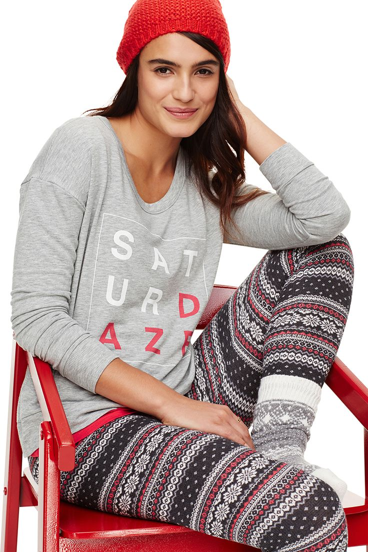 Winter saturdaze are meant for sleeping in. Do it in these Old Navy patterned knit leggings.