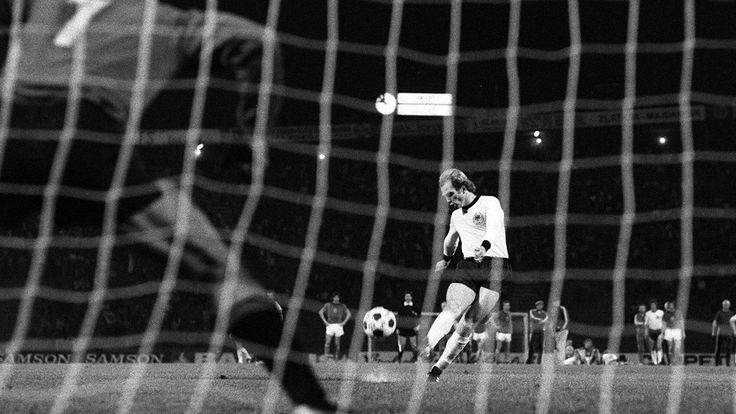 Fußball EM 1976- Hoeneß verschießt den entscheidenden Elfeter im Finale