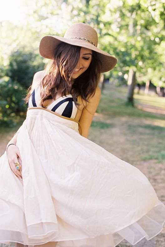 .: Summer Hats, Summer Dresses, Cute Dresses, Summer Outfits, Hats Hats, The Dresses, Floppy Hats, Sun Hats, White Sundress