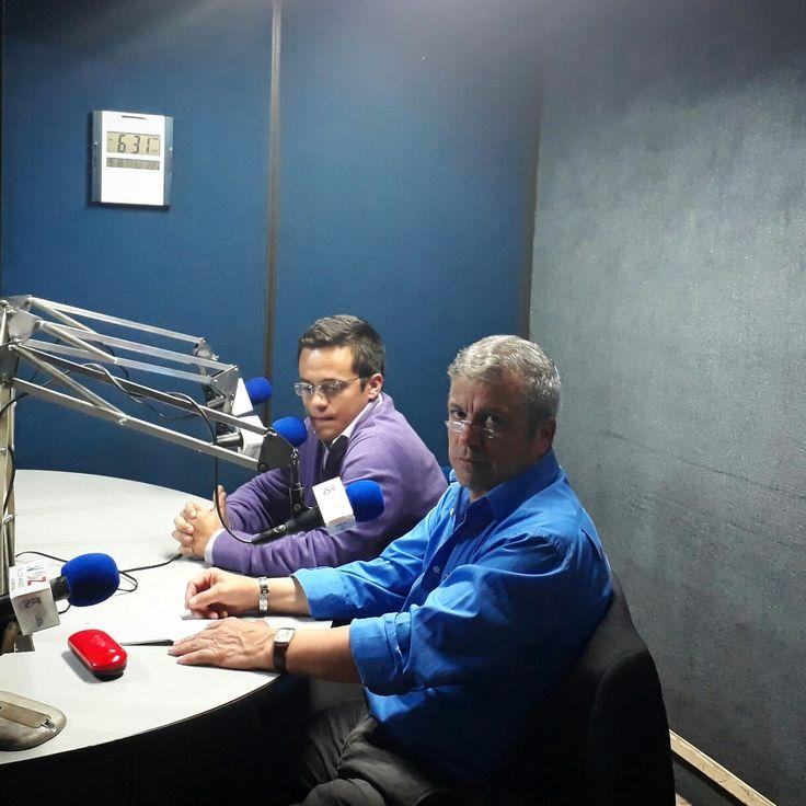 """Gracias a Zeir Delgado, un gran amigo y reconocido periodista con gran trayectoria en la radio, por abrirnos esta noche los microfonos de su programa """"Así se habla"""" 1390 am La voz de los andes, en el cual analizamos la contienda #politica que se vislumbra para Colombia"""