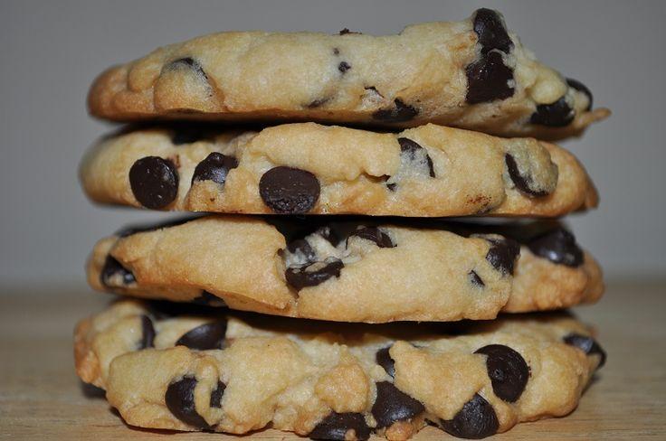 Damla Çikolatalı Kurabiye http://lezzetdemeti.com/damla-cikolatali-kurabiye/