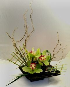 These are the type of crooked branches I would like to add to the girls bouquets and mens boutonnieres.