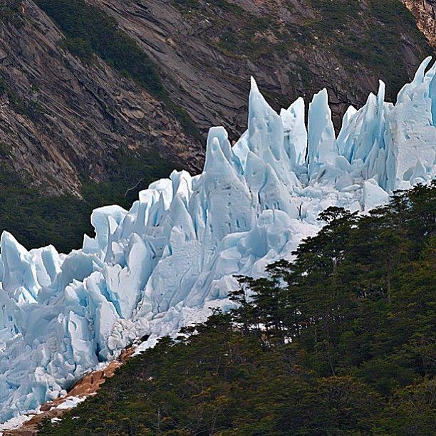 Glaciar Balmaceda, Parque Nacional Bernardo O'Higgins, XII Región de Magallanes y Antártica Chilena. Fotografía de Karsten Rau. - Photo by chilediscovery