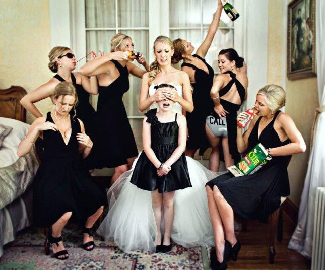 How funny is this bridesmaid photo?