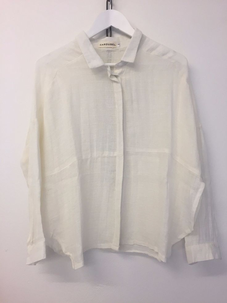 Carousel Essentials - Africa Shirt In Off White