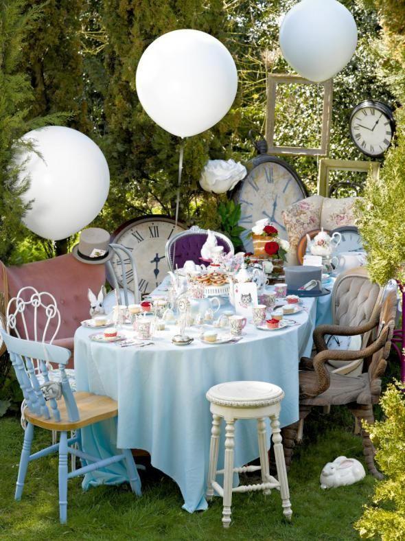 It`s Tea Time - besondere Deko-Ideen entführen die Gäste der Tea Party ins Wunderland und in den Garten des Märzhasen
