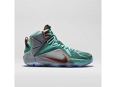 LeBron 12 Men's Basketball Shoe