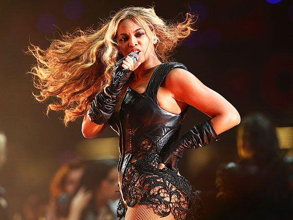 Super Bowl - Beyonce Halftime Show : People.com