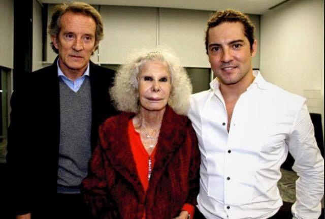 @davidbisbal: Una mujer única e irrepetible que vivió con intensidad y pasión, amaba la cultura y la música española. Todo mi cariño a la familia de Alba.