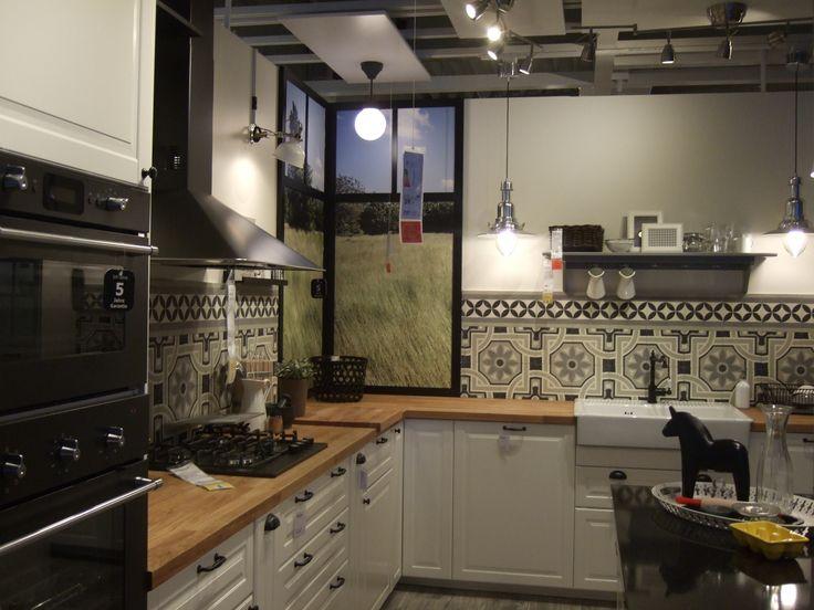 bei ikea in ludwigsburg schm cken zementfliesen von casa 1 die neue k chenausstellung wer. Black Bedroom Furniture Sets. Home Design Ideas