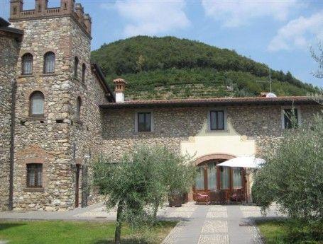 Bergen, idyllische meren en wijn. Als je op zoek bent naar deze ingrediënten in je vakantie, denk dan eens aan het merengebied in Noord-Italië.