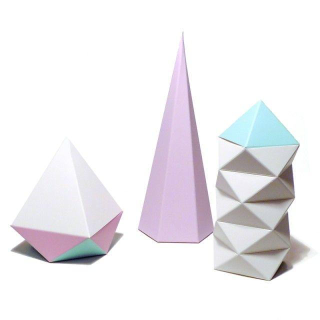 Snyderman House - Paper sculpture set - Geometric - TEMA #futuredays #paper #sculptures #geometric #nordicdesign #nordicdesigncollective #nordic #scandinavian #designers