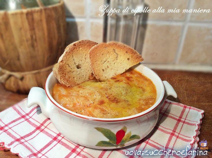 La zuppa di cipolle è una preparazione che affonda le sue origini nella cucina francese (Soupe à l'oignon) ma è molto apprezzata anche in Toscana.