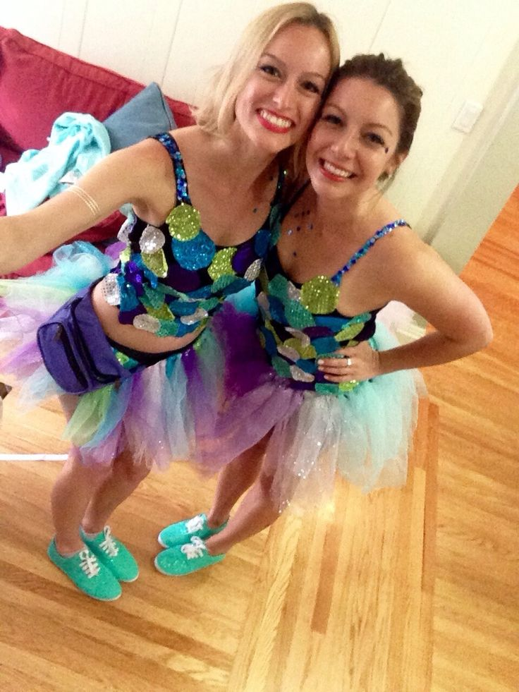 For this year's Bay to Breakers in San Francisco, we decided to be Rainbow Fish. Here's the final outfit! SUPPLIES Shoes White canvas shoes – we found some for $9 at Michael&#8217…