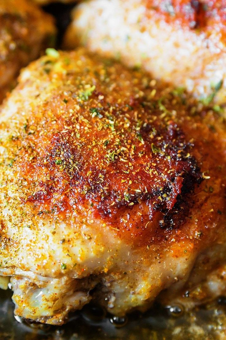 Easy Garlic Broiled Chicken Recipe - boneless chicken thighs with a tasty butter, garlic, soy sauce, black pepper, and parsley sauce. Low carb with paleo friendly options