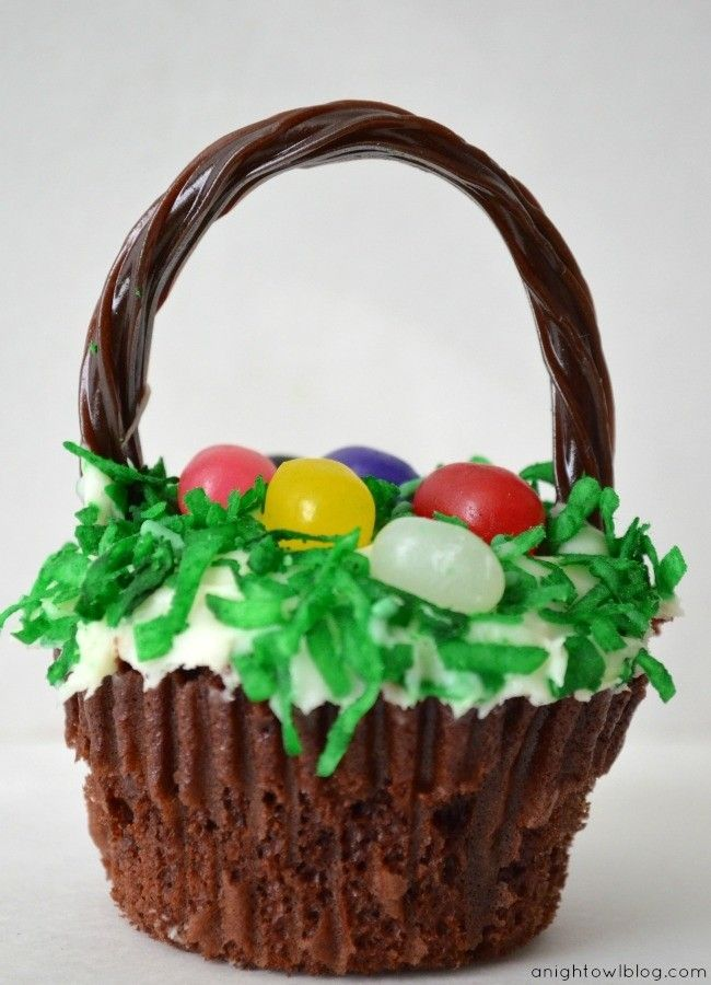 Easter Cupcake Decorating Ideas Pinterest : Easter Basket Cupcakes with Chocolate Twizzlers #2014 # ...