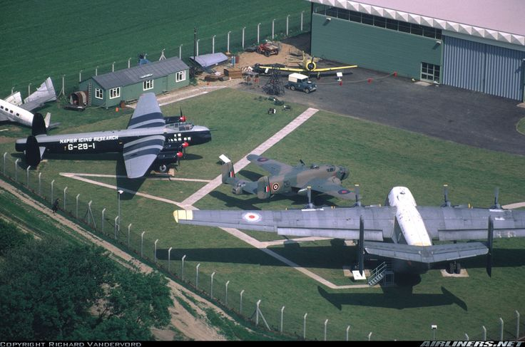 Avro 694 Lincoln B2 aircraft picture