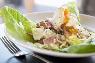 The Common Man's classic caesar salad #swpromenade #melbourne #bar