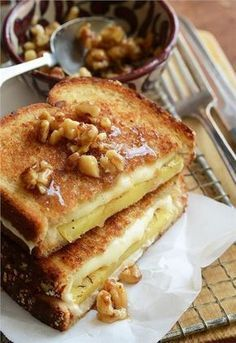 Εύκολη και λαχταριστή μηλόπιτα με ψωμί του τοστ σε 5'
