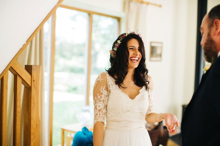 Leila wore a bespoke gown by dressmaker Dana Bolton for her rustic, homespun…