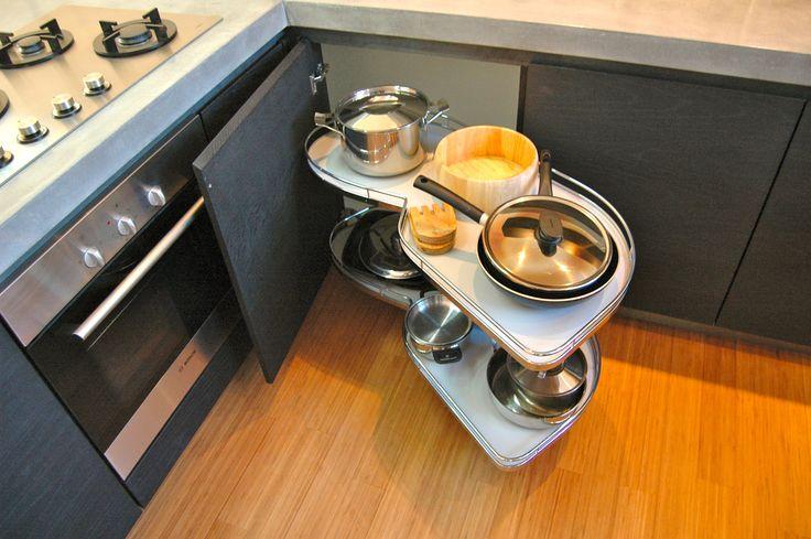 Hoekkast Keuken Oplossing : oplossing hoekkast, pannenrek.
