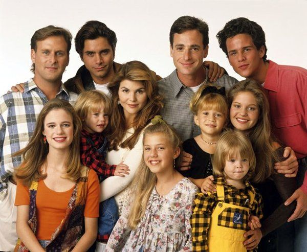 """Full House (TV Series 1987-1995) - Cast Before and After 1(12) (Source: O elenco de 'Três É Demais"""" 25 anos depois - Yahoo! TV)"""