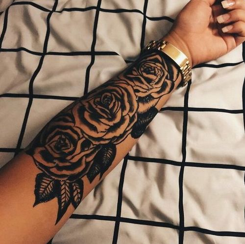 Roses Tattoo Designs on Hands