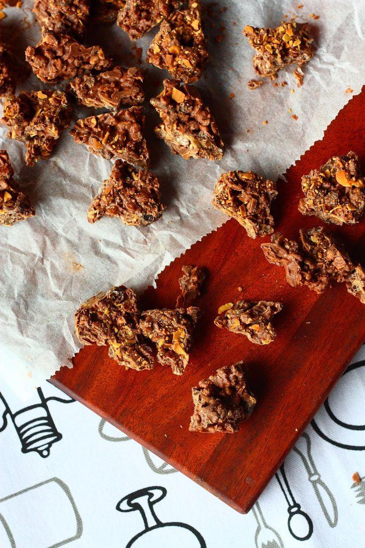 Suklaapossu: Rapeat suklaa-riisimuro-manteliherkut
