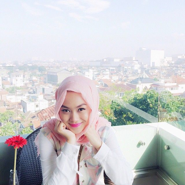 It's been a tiring month but @mazayaindonesia lipstick keeps me lookin' fresh . @nadapuspitaofficial and I can not run a day without wearing Nada Puspita scarf lately. And also Bandung's weather was so lovely #apreciatelilthingsmore #leavingforjakartatonight see you again, Bandung!