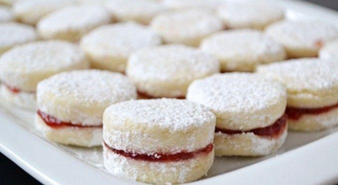 http://www.nejrecept.cz/recept/vanilkova-kolecka-lepena-marmeladou-r2812