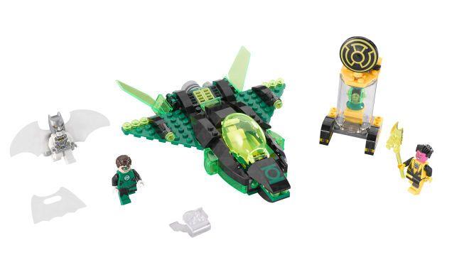 LEGO Green Lantern Gets His Own Set, (Almost) Escapes Batman's Shadow