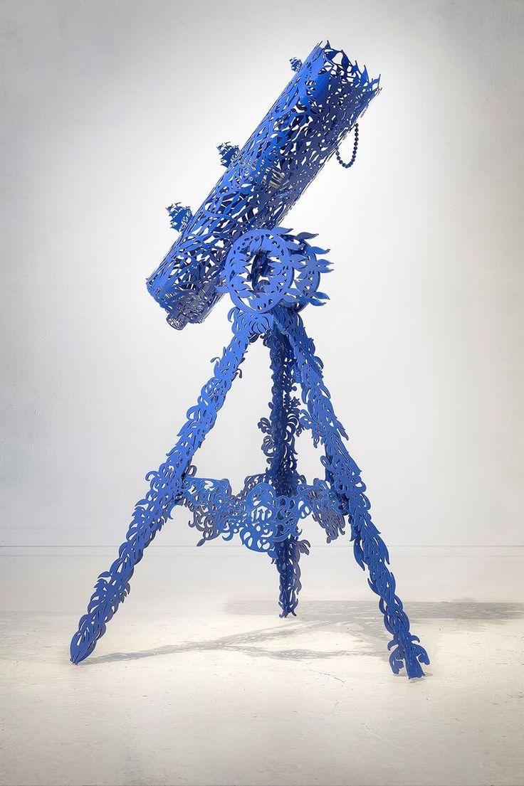 Sininen linnunrata, 2017 by Pekka Jylhä. Painted steel, 50x30x30 cm, 6700€. Inquiries sari.seitovirta@seitsemanvirtaa.com / GALERIE SEITSEMÄN VIRTAA